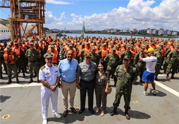 475 militares chegam para reforçar limpeza das praias no litoral sul da Bahia 1