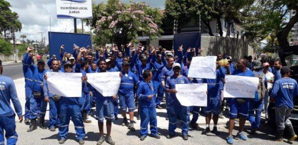 FUNCIONÁRIOS DE TERCEIRIZADA DA EMBASA PROTESTAM POR FALTA DE PAGAMENTO 5
