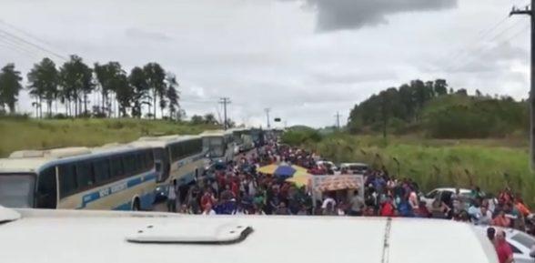Petroleiros contratados e terceirizados aderem à greve na Bahia 1