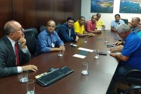 Comitiva discute acesso de táxis e vans ao Porto de Ilhéus 4