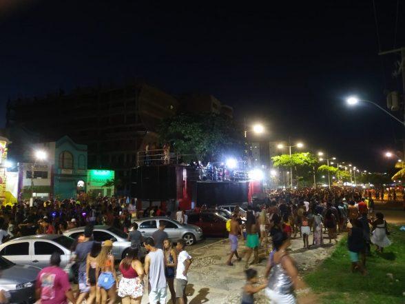 Parada LGBTQI+ atrai multidão na Avenida Soares Lopes em Ilhéus 3