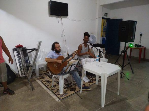 Amigos comemoram aniversário de José do Bar do Zé no Malhado 5