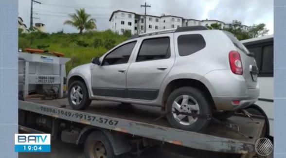 Resultado de imagem para Carro usado para praticar roubos é apreendido em condomínio na cidade de Itabuna