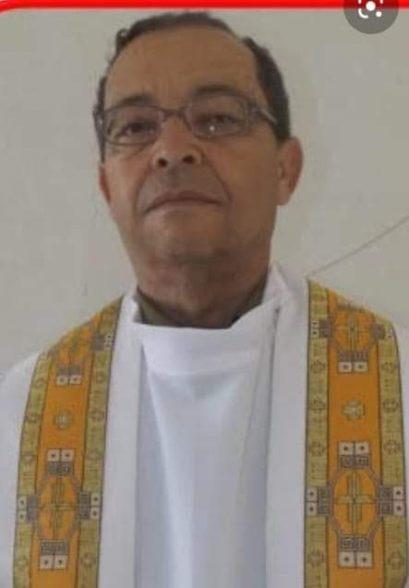Morre Padre Celso pároco em Ilhéus 4