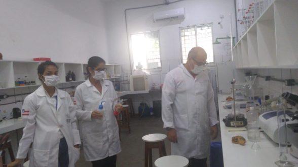 Estudantes fabricam sabão para doar ao Hospital Regional Costa do Cacau e Bombeiros em Ilhéus 2