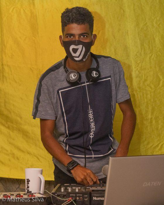 LIVE DE RATINHO MENEZES E DJ JEFFERSON ATRAI 15 MIL PESSOAS NAS REDES 3
