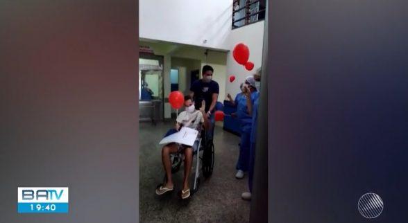 Policial Militar recebe alta após se curar da Covid-19 em Ilhéus 1