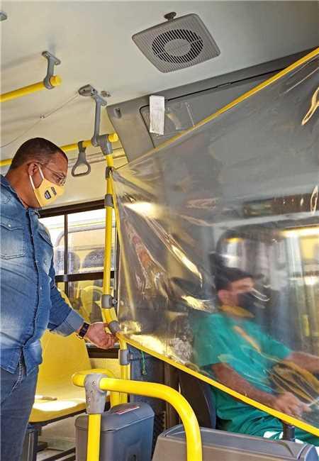 ILHÉUS: 50% da frota do transporte público retorna hoje e uso de máscara é obrigatório 4