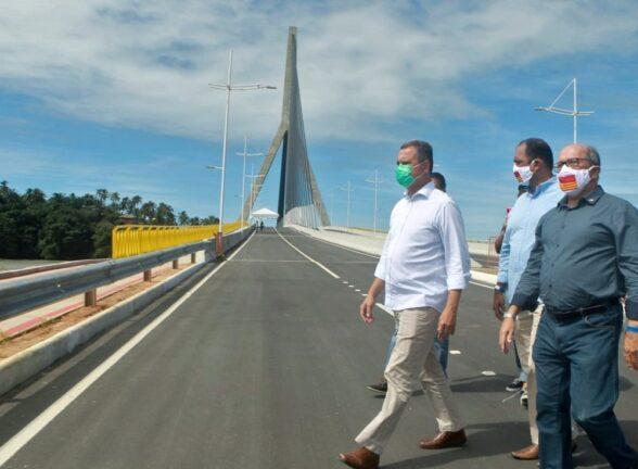 Governador vistoria e entrega, em Ilhéus, a primeira ponte estaiada da Bahia 2
