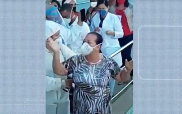 ILHÉUS: Diretora de banco de sangue tem alta de hospital após 10 dias internada com Covid-19; ela chegou a ter parada cardíaca 7